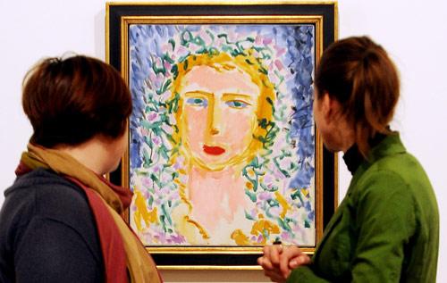 طيف ماتيس (1869 ــ 1954) يخيّم هذه الأيام على البلدة التي شهدت ولادته. إذ يستضيف «متحف كاتو ــ كامبريزي» (شمال فرنسا) معرض «ليديا د: موديل ماتيس وملهمته» الذي يضمّ لوحات ورسمات عديدة للمرأة التي وقفت