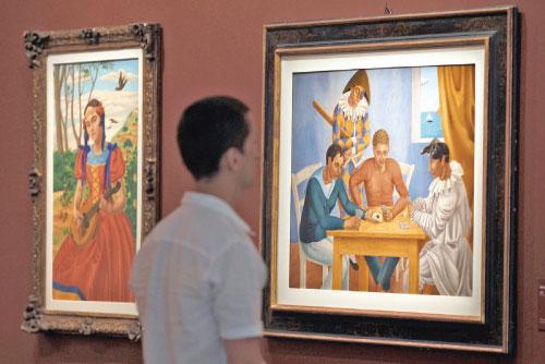 على جدران متحف «لورانجوري» تلتقي «عازفة المندولين» بـ «لاعبي الورق»، و«بائع الحلوى». شخصيات جينو سيفيريني (1883 ـــ 1966)، تحتلّ المكان في المعرض الإستعادي المخصص لأحد أبرز رواد الرسم المستقبلي. لعب ه