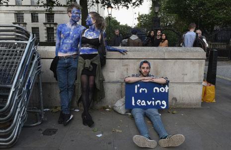 بعد إجراء الاستفتاء البريطاني في الصيف حول البقاء في الاتحاد الأوروبي، تظاهر كثيرون بعد صدور النتائج اعتراضاً على الخروج. (ماري تورنر ــ غيتي)