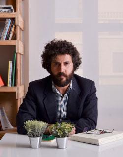 «نزهة أدبية» مع الكاتب فادي الطفيلي