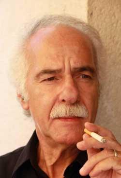 حصل عبد اللطيف اللعبي على جائزة «العصر الذهبي الجديد» التي تمنحها المكسيك لكبار شعراء العالم
