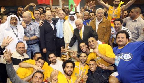 فريق الرياضي مع شخصيات رياضية والكأس العربية (محمد علي)