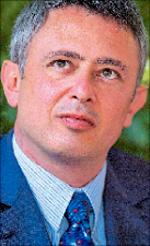 الوزير السابق سليمان فرنجية