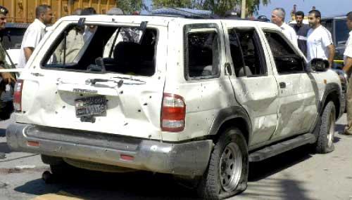 سيارة  المرافقة التي كان فيها المقدم شحادة لحظة وقوع الانفجار (كامل جابر)