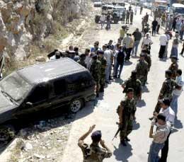 مسرح الجريمة ساعة بعد وقوع الانفجارين في منطقة الرميلة  (كامل جابر)
