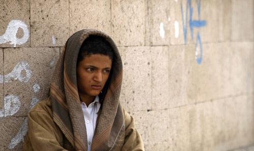 يعيش سكان المدن والريف في اليمن حالة فقر قاسية (خالد عبد الله - رويترز)
